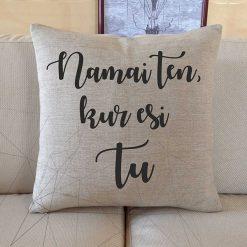 Dekoratyvinė pagalvėlė Namai ten, kur esi tu